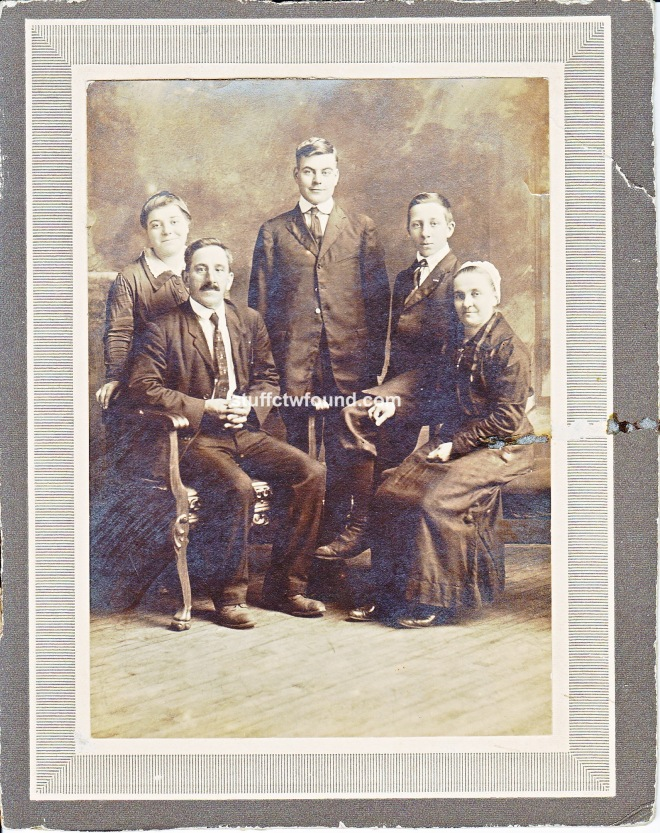 Benjamin Franklin Fraker family front.jpg